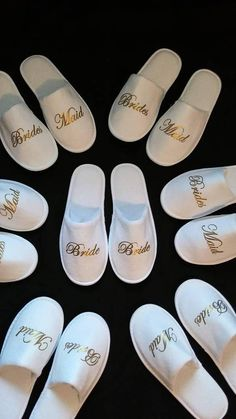 Bridesmaid Slippers – Personalized Bridesmaids Gifts – Bridal Shower Gift – Personalized Slippers – Wedding Slippers – Soft and thicker - Brautparty Ideen Bridal Party Robes, Gifts For Wedding Party, Bridal Shower Gifts, Party Gifts, Wedding Set, Wedding Party Gift Ideas, Wedding Souvenir, Bridal Parties, Shower Favors