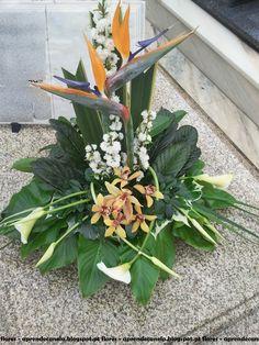 Creative Flower Arrangements, Church Flower Arrangements, Altar Flowers, Silk Flowers, Floral Arrangements, Deco Floral, Arte Floral, Floral Design, Ikebana