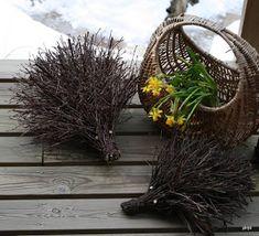 Billedresultat for risutyö Willow Weaving, Environmental Art, Nature Crafts, Something Beautiful, Natural Living, Natural Materials, Garden Art, Diy And Crafts, Flowers