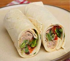 Tuna and lemon mayonnaise wraps - 50 healthy lunch recipes Wrap Recipes, Lunch Recipes, Cooking Recipes, Easy Recipes, Healthy Snacks, Healthy Recipes, Healthy Protein, Eating Healthy, Mini Sandwiches