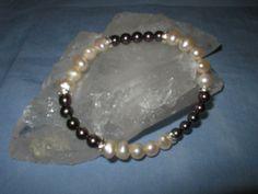 wunderschönes Armband Süsswasserperlen elastisch von glastropfen´s Kreativwerkstatt auf DaWanda.com