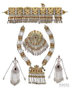 Turkoman silver trappings with carnelians and 18 plate tools (see online-catalogue www.auction.de), Tekke and Yomut jewelery partially gilded, Ersari(?) trappings without gilding, Turkmenistan, 1st quarter 20th ct.