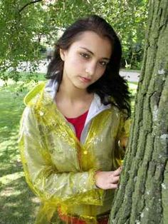 Denisa H. - pláštěnka 2 – cz-rainbal – album na Rajčeti Vinyl Raincoat, Plastic Raincoat, Vinyl Skirt, Rain Wear, Girl Outfits, Cover Up, Sari, Album, How To Wear