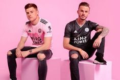 Harvey Barnes and James Maddison show off Leicester City's away shirts James Maddison, British Football, Youth Soccer, Team Uniforms, Football Kits, Soccer Cleats, Goalkeeper, Leicester, Jersey Shirt