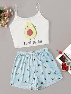 esta historia trata de una fan (t/n) que empieza un amorío con uno de… #novelajuvenil # Novela Juvenil # amreading # books # wattpad Cute Lazy Outfits, Teenage Outfits, Outfits For Teens, Stylish Outfits, Cute Pajama Sets, Cute Pjs, Cute Pajamas, Girls Fashion Clothes, Teen Fashion Outfits