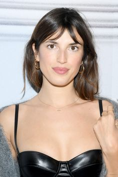 Jeanne Damas Photos - Jeanne Damas attends the Jean-Paul Gaultier Birthday Cocktail and Party at Theatre du Chatelet on January 2020 in Paris, France. - Jean-Paul Gaultier - Birthday Cocktail And Party - Photocall French Hair, French Beauty, Jeane Damas, Calvin Klein Models, French Girls, Heart Dress, Medium Hair Cuts, How To Make Hair, Jean Paul Gaultier