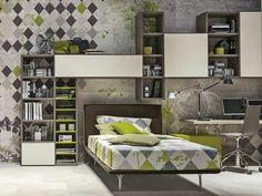 Modernes Kinderbett in Braun, kombiniert mit grau-grüner Wandgestaltung