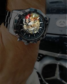 Confecționat din oțel inoxidabil, cu un grad ridicat de rezistență la șocuri și cu mecanism automatic Watches For Men, Blue, Stuff To Buy, Accessories, Men's Watches, Jewelry Accessories