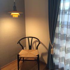 fufuharuさんの、リビング,照明,カーテン,アクセントクロス,北欧,ルイスポールセン,ワイチェア,のお部屋写真