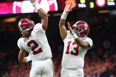 Tua Tagovailoa Calls Out Critics of Jalen Hurts - Roll 'Bama Roll Alabama Crimson Tide, Alabama Vs Georgia, Crimson Tide Football, Alabama Tennessee, Alabama Football Quotes, College Football, Jalen Hurts, Nick Saban, Hot Cheerleaders