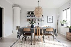 Ikea Interior, Dining Room, Dining Table, Minimalist Home Interior, Fine Dining, Light Fixtures, New Homes, House, Furniture