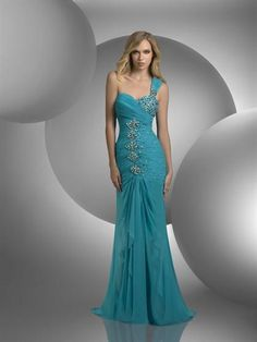 Makes me remember prom wish my dress had looked this gorgeous