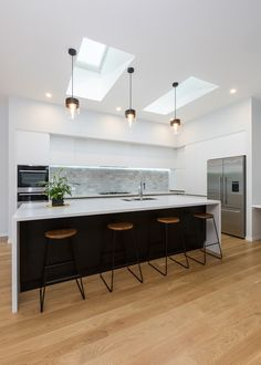 Modern seamless design - Q-Bix Open Plan Kitchen Diner, Open Plan Kitchen Living Room, Kitchen Room Design, Modern Kitchen Design, Home Decor Kitchen, Interior Design Kitchen, Home Kitchens, Modern Kitchen Plans, Black Kitchens