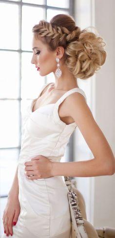 Elstile braided wedding updo hairstyle - Deer Pearl Flowers / http://www.deerpearlflowers.com/wedding-hairstyle-inspiration/elstile-braided-wedding-updo-hairstyle/