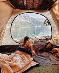 Happy Friday morning 😍 ❤️ By: Via: Adventure Aesthetic, Camping Aesthetic, Travel Aesthetic, Adventure Photography, Camping Life, Camping Stuff, Future Travel, Outdoor Travel, The Great Outdoors