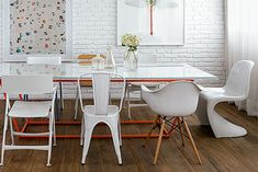 Dining room table with assorted chairs Woven Dining Chairs, Mismatched Dining Chairs, Industrial Dining Chairs, Dining Room Table, Kitchen Dining, Dining Area, Home Decor Furniture, Dining Furniture, Traditional Dining Chairs