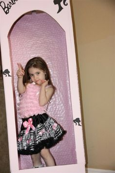 barbie party. Pictures with a barbie box.  Need to make one of these for Ashlynn :)