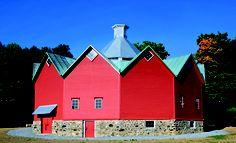 Walbridge 12-sided Barn, St-Ignace-de-Stanbridge, Estrie - Granges du Québec ( - Pierre Phillipe Brunet, Jean O\'Neil - 2012