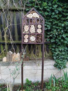 PASTU domov: Hmyzí domeček Arch, Outdoor Structures, Garden, Longbow, Garten, Lawn And Garden, Gardens, Wedding Arches, Gardening