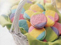 RAINBOW EGG COOKIES 1 pouch Betty Crocker® sugar cookie mix cup margarine or butter, melted cup Gold Medal® all-purpose flour 1 egg 3 food . No Egg Cookies, Easter Cookies, Sandwich Cookies, Easter Treats, Yummy Cookies, Easter Cupcakes, Gelato, Betty Crocker Sugar Cookies, Deco Pastel
