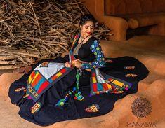 Handcrafted jewellery with mesmerizing Ethnic look PC- Garba Chaniya Choli, Garba Dress, Navratri Garba, Navratri Dress, Sangeet Outfit, Sari Blouse Designs, Choli Designs, Dandiya Dress, Traditional Blouse Designs