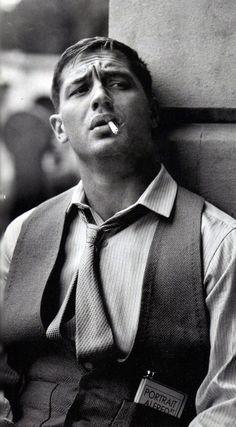 Vous allez sans aucun doute tomber amoureuse de l'acteur Tom Hardy en voyant…