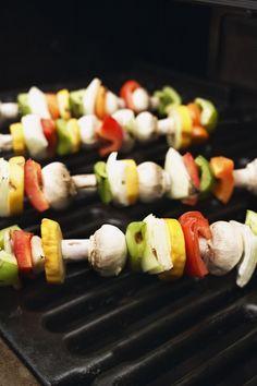 Brochettes : 50 idées de recettes pour savourer l'été ! - Des brochettes de légumes