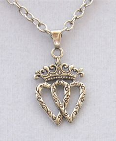 antique Sacred HEart Vinaigrette locket sterling with crown Victorian necklace for sale - Yahoo Image Search Results 3 Hearts Tattoo, Two Hearts, Sweet Hearts, Green Chandeliers, Heart Crown, Vintage Jewelry, Unique Jewelry, Sacred Heart, Picture Tattoos