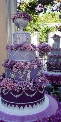 Mesmerizingly beautiful purple wedding cake.