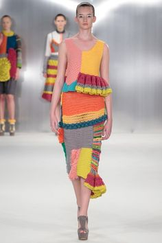 Crochet Dresses Design de montfort university NYFW - See all the Collection photos from De Montfort University Spring/Summer 2015 Ready-To-Wear now on British Vogue Knitwear Fashion, Knit Fashion, Look Fashion, Catwalk Fashion, High Fashion, Freeform Crochet, Knit Crochet, Knitting Designs, Knitting Patterns