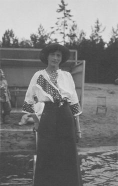 """Grand Duchess Tatiana in 1914. Tatiana exudes that """"certain grace"""" in this photo but she's still no match for Olga."""