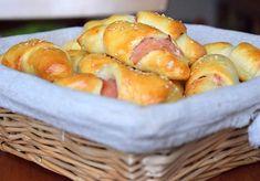 teplý plněný minirohlíčky s máslem jsou prostě nejlepší večeře ❤ #domacirohliky #homemade #ham #cheese #yeastdough #rolls #rohliky #instabake #homebaker #homebaked #chocoholic #foodlover #foodie #foodphoto #peceni #bakingtime #bakingmom #dessertstagram #bakestagram #czech #czechrepublic #avecplaisircz
