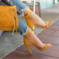 Criss Cross Ankle Strap Two-Piece Heel / .- Criss Cross Knöchelriemen Zweiteiliger Absatz / / / / … Criss Cross Ankle Strap Two-Piece Heel / / / / / / / – Criss Cross Ankle Strap Two-Piece Heel / / / / / / / – - Stilettos, Pumps Heels, Stiletto Heels, High Heel Pumps, Glitter High Heels, Lace Up Heels, Gold Glitter, Criss Cross, Women's Shoes