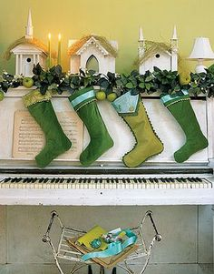 Habitually Chic®: Blue & Green Christmas