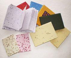 Notes malý s obrázkem - Ruční papírna Stará škola Želetice Playing Cards, Notes, Crafts, Report Cards, Manualidades, Notebook, Handmade Crafts, Craft, Crafting