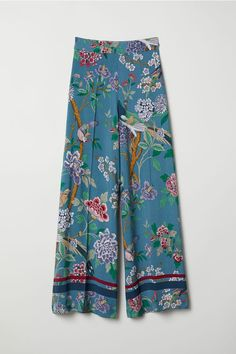 New purchase Wide trousers - Dusky blue/Floral - Ladies Floral Pants Outfit, Sweats Outfit, Fashion Pants, Hijab Fashion, Fashion Dresses, 70s Fashion, Korean Fashion, Fashion Tips, Skirts