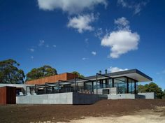 sustainable-house-with-three-wings-that-engage-the-landscape-5.jpg