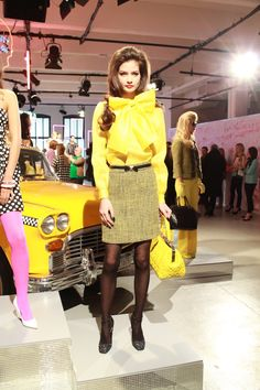 kate spade yellow bow top fall Oh I love you, Kate Spade. Fashion Models, High Fashion, Winter Fashion, Womens Fashion, Fashion Trends, Spring Fashion, Nail Fashion, Fashion Shoes, Kate Spade