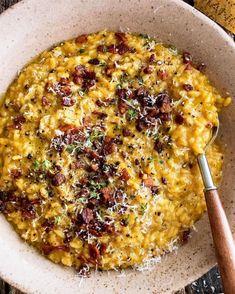 """14.1 χιλ. """"Μου αρέσει!"""", 112 σχόλια - Williams Sonoma (@williamssonoma) στο Instagram: """"Mmm. So comforting. 🍂 Pumpkin risotto with crispy bacon and Parmesan by @theoriginaldish. Recipe…"""" Pumpkin Risotto, Pumpkin Soup, Pumpkin Puree, New Recipes, Soup Recipes, Whipped Potatoes, Cheese Pumpkin, Thing 1, Macaroni And Cheese"""