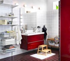 Du rouge pour votre salle de bain ! IKEA vends régulièrement des salles de bain colorées, pour ravir ceux qui veulent mettre du peps chez eux ! Ici la collection de meubles de salle de bains Godmorgon/Edeboviken apporte un effet énergisant à votre salle de bain.