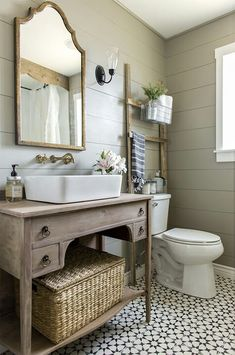 The ladder is a neat idea for this small bathroom.