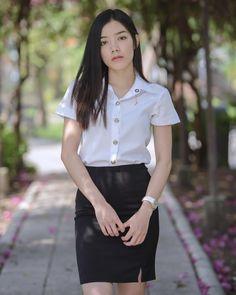 Girls Uniforms, Beautiful Asian Women, Sweet Girls, Asian Woman, High Waisted Skirt, Play 1, Actresses, Celebrities, Asian Beauty