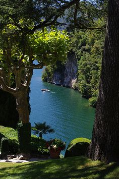 Comer See, Italien - Comer See, Italien - Comer See, Italien - aesthetic travel italy inspo places Places To Travel, Places To See, Travel Destinations, Romantic Destinations, Romantic Travel, Romantic Places, Dream Vacations, Vacation Spots, Italy Vacation