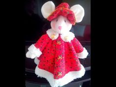 DIY Ratona Navideña con moldes - Marina Creativa Christmas Fabric, Christmas Crafts, Christmas Chair Covers, Kids Zone, Xmas Ornaments, Fabric Decor, Felt Crafts, Creations, Holiday