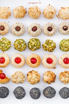 Panellets-katalonskie ciasteczka Cupcakes, Cupcake Cakes, Kitchen Chemistry, Sweet Cooking, Pudding, Energy Bites, Christmas Baking, Truffles, Catering