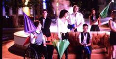 #Glee brinca com abertura de #Friends