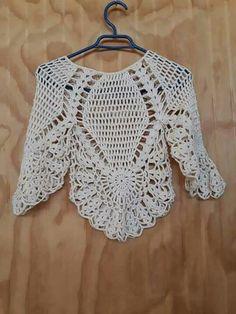 Fabulous Crochet a Little Black Crochet Dress Ideas. Georgeous Crochet a Little Black Crochet Dress Ideas. Crochet Bodycon Dresses, Crochet Cardigan, Crochet Shawl, Crochet Lace, Crochet Stitches, Crochet Poncho Patterns, Shawl Patterns, Tshirt Garn, Crochet Fashion