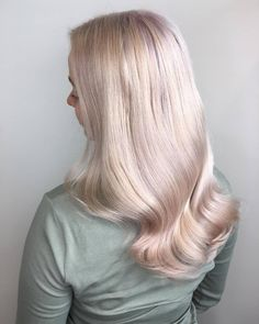 Soft pink metallic tones for a soft, vintage inspired pearl blonde. Created using Wella by Vera at Hiusstudio Muoto.