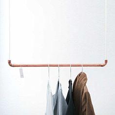 Design Kleiderstange von rod & knot – THE COPPERROPE aus Kupfer und Baumwollseil (weiß) hängend, Decken-Besfestigung, Kleiderständer oder Garderobe, Vintage, Antik - 110 cm: Amazon.de: Küche & Haushalt