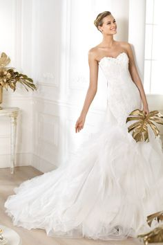 2014 Elegant Wedding Dresses Mermaid Sweetheart Sweep/Brush Train With Rhinestones And Lace